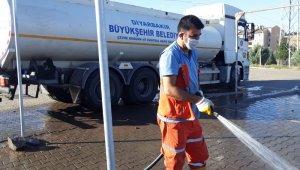 Diyarbakır'da kurban satış ve kesim yerleri tazyikli ve deterjanlı suyla yıkandı