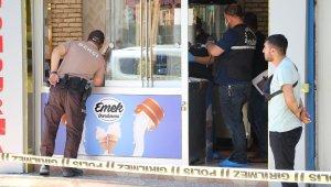 Dondurmacıya girdi, müşterilerin gözü önünde cinayet işledi