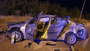 Elazığ'da otomobil takla attı: 3 yaralı