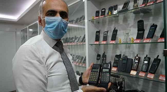 Elazığ'daki telefon koleksiyonu görenleri hayrete düşürüyor