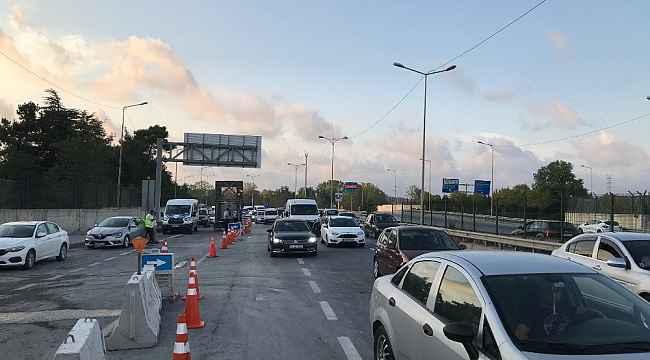 Eyüpsultan'da çöken üstgeçidin enkazı kaldırıldı, yolun iki şeridi trafiğe açıldı