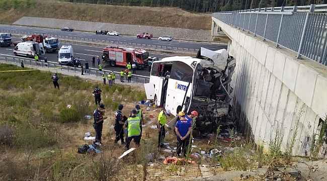 Eyüpsultan'da yolcu otobüsü yoldan çıktı: 5 ölü, 26 yaralı