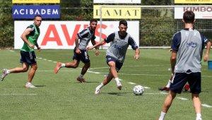 Fenerbahçe, yeni sezon hazırlıklarına devam etti