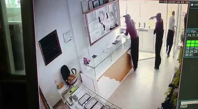 Film gibi kuyumcu soygununun güvenlik kamerası görüntüleri ortaya çıktı