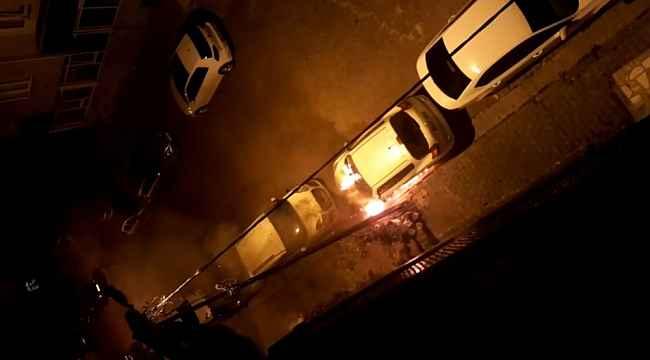 Gaziosmanpaşa'da bir otomobil kundaklandı