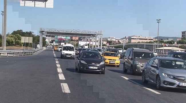 İstanbul'da bayramın son gününde polislerden trafik denetimi