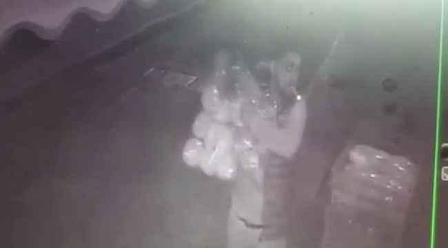 İstanbul'da ekmek hırsızları kamerada