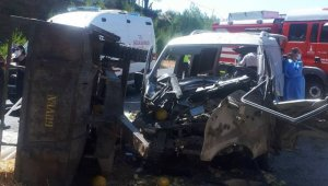 İzmir'de feci kaza: 11 yaralı