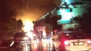 İzmir'de yıldırım düşen evde yangın çıktı