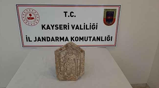 Jandarma kenevir eken ve tarihi eser kaçakçılığı yapan şahısları yakaladı