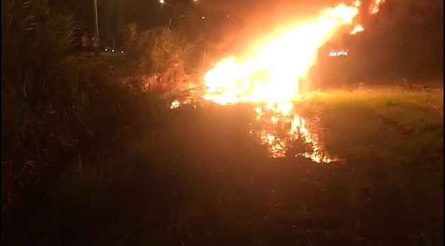 Kaza sonrası alev topuna dönen otomobilde sürücü yanarak hayatını kaybetti