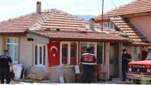 Kıbrıs gazisi arazi için kardeşini öldürdü