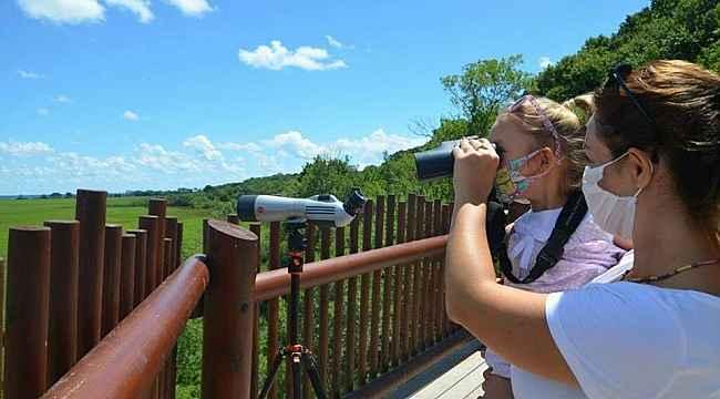 Kuş gözlem kulesi yoğun ilgi gördü