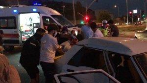 Kuşadası'nda trafik kazası 1''i çocuk 4 yaralı