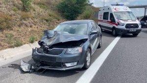Kuzey Marmara Otoyolu Edirne istikameti Sarıyer mevkiinde iki otomobilin karıştığı trafik kazasında 1 kişi öldü, 4 kişi yaralandı.