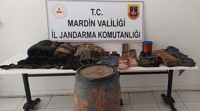 Mardin'de terör örgütüne ait iki farklı noktada el bombası ile yaşam malzemesi ele geçirildi