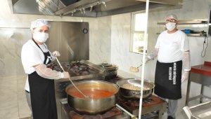 Mersin Büyükşehir Belediyesi'nin Tarsus aşhanesi yeniden hizmete girdi