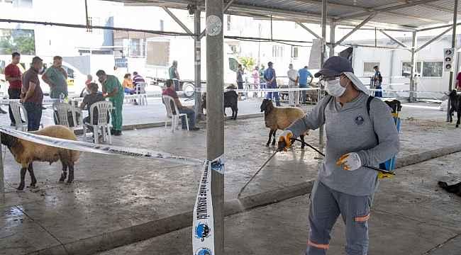 Mersin'de belediyeden bayramda ücretsiz kesim ve ulaşım hizmeti