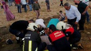 Muğla'da işçileri taşıyan midibüs şarampole yuvarlandı: 2 ölü, 16 yaralı