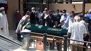 Murat Boz, hayatını kaybeden kuzenini son yolculuğuna uğurladı
