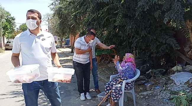 Ödemiş'te bin aileye kurban eti dağıtıldı