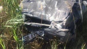 Otomobil şarampole uçtu, sürücü yara almadan kurtuldu