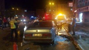 Seyir halindeki otomobil alevlere teslim oldu - Bursa Haberleri