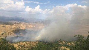 Siirt'te dumanlar gökyüzünü kapladı, köylüleri korku saldı
