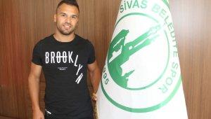 Sivas Belediyespor Hüseyin Tokmak'ı transfer etti