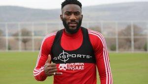 Sivasspor'un en istikrarlısı Aaron Appindangoye