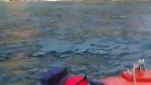 Su alan teknede 7 kişi mahsur kaldı