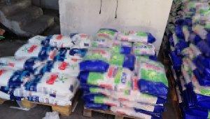 Tuzla'da kaçak deterjan imalathanesi baskın