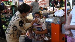 Uşak'ta Vali Funda Kocabıyık koronavirüs denetimlerine katıldı
