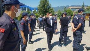 Vali Gürel, asker ve polisle bayramlaştı