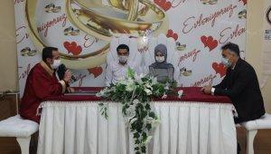 Vali Uçar nikah şahidi oldu