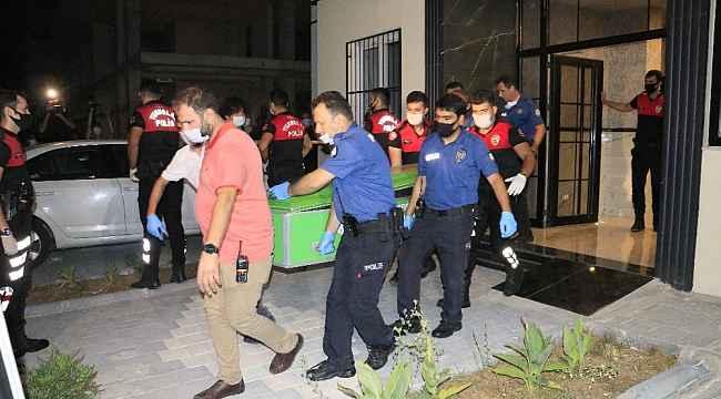 Vali yardımcısının öldürdüğü kardeşi ve annesinin cesetleri adli tıpa kaldırıldı