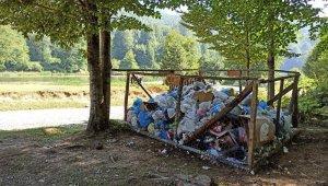 Vatandaşların uğrak noktası olan yaylalarda çevre kirliliği artıyor