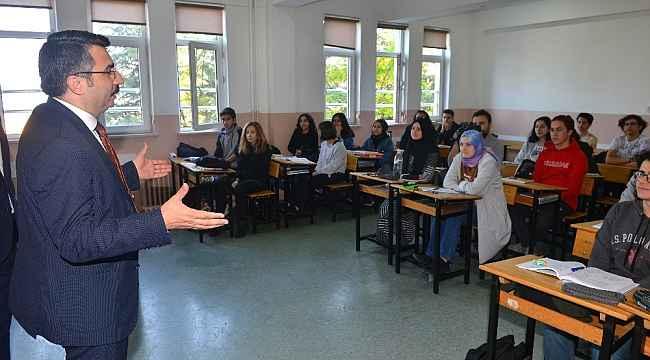 Yıldırım Belediyesi YKS tercihinde gençlerin yanında - Bursa Haberleri