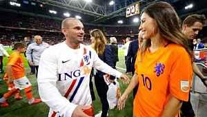 Yolanthe'den çok konuşulacak Sneijder kararı