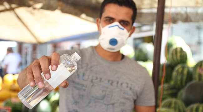 Zabıtalar semt pazarında 'korona virüs' denetiminde: 'Aileniz için maske takın' uyarısı