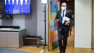 AB Konseyi Başkanı Michel karantinaya alındı, AB liderler zirvesi ertelendi