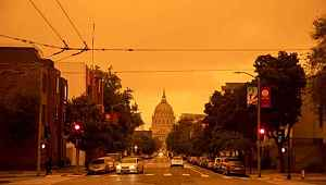 ABD'deki orman yangını nedeniyle San Francisco turuncuya boyandı