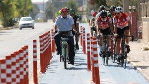 Akhisar'da hareketli yaşam için pedal çevirdiler