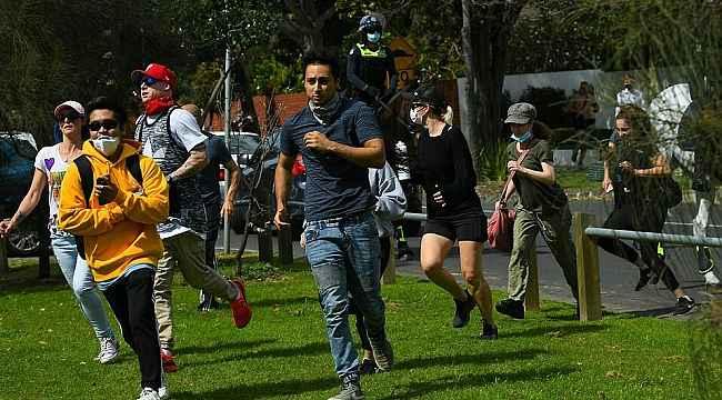Avustralya'da Covid-19 kısıtlamalarına karşı gösteriler sürüyor