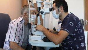 Aylardır görmeyen hastalar 'vitrektomi' ameliyatı ile tekrar görüyor