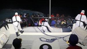 Ayvalık'ta 32 düzensiz göçmen kurtarılırken 1 organizatör zanlısı yakalandı