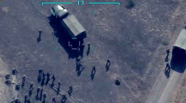 Azerbaycan, Ermenistan askerlerinin havaya uçurulduğu anı paylaştı