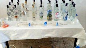 Balıkesir'de 150 litre kaçak içki ele geçirildi