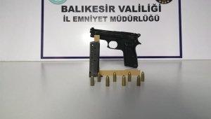 Balıkesir'de 3 silah ele geçirildi