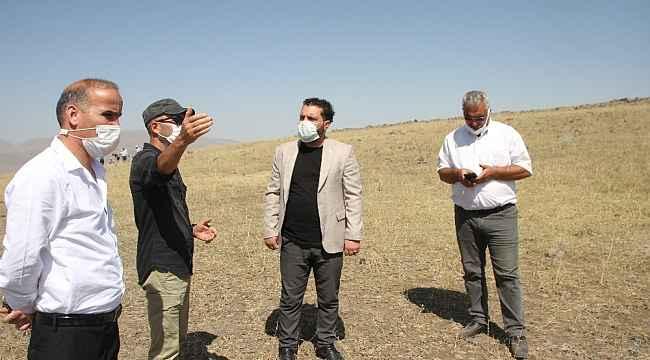 Başkan Kartal'dan kazı ekibine tatlı ikramı
